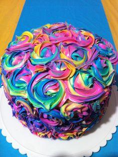 bolo colorido arco-íris