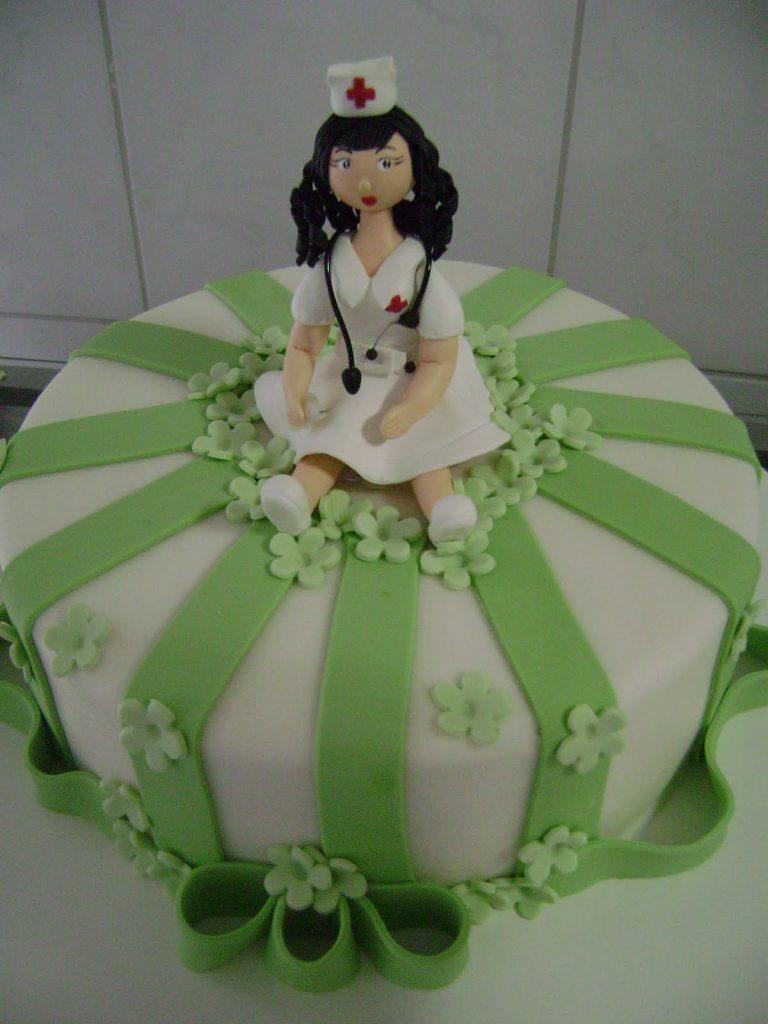 bolo enfermagem verde