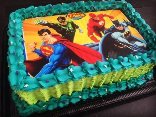 bolo liga da justiça quadrado