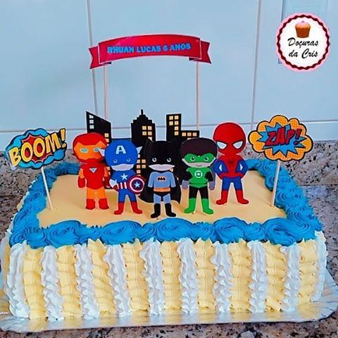 bolo liga da justiça com topo