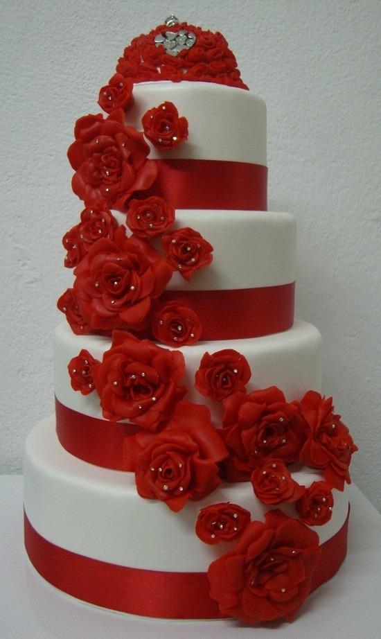 bolo vermelho e branco de casamento