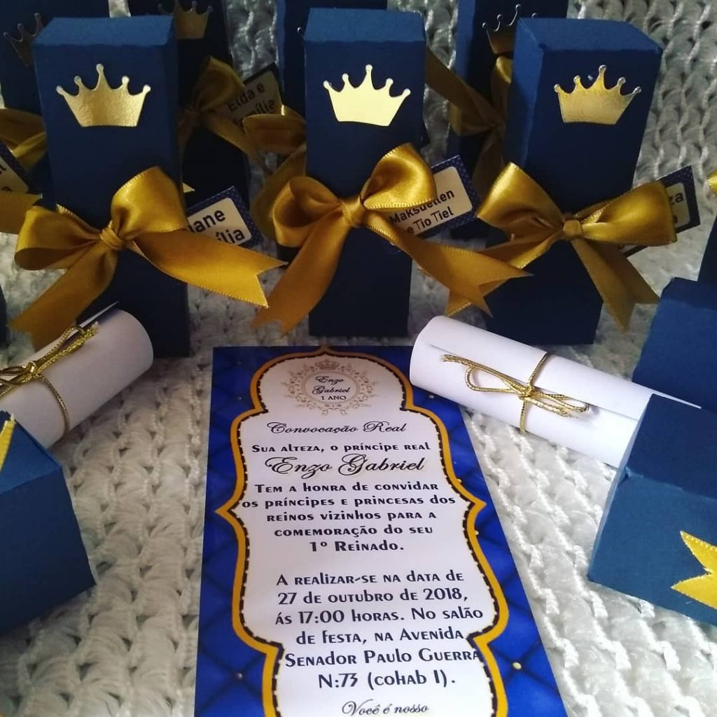 convite realeza azul e dourado