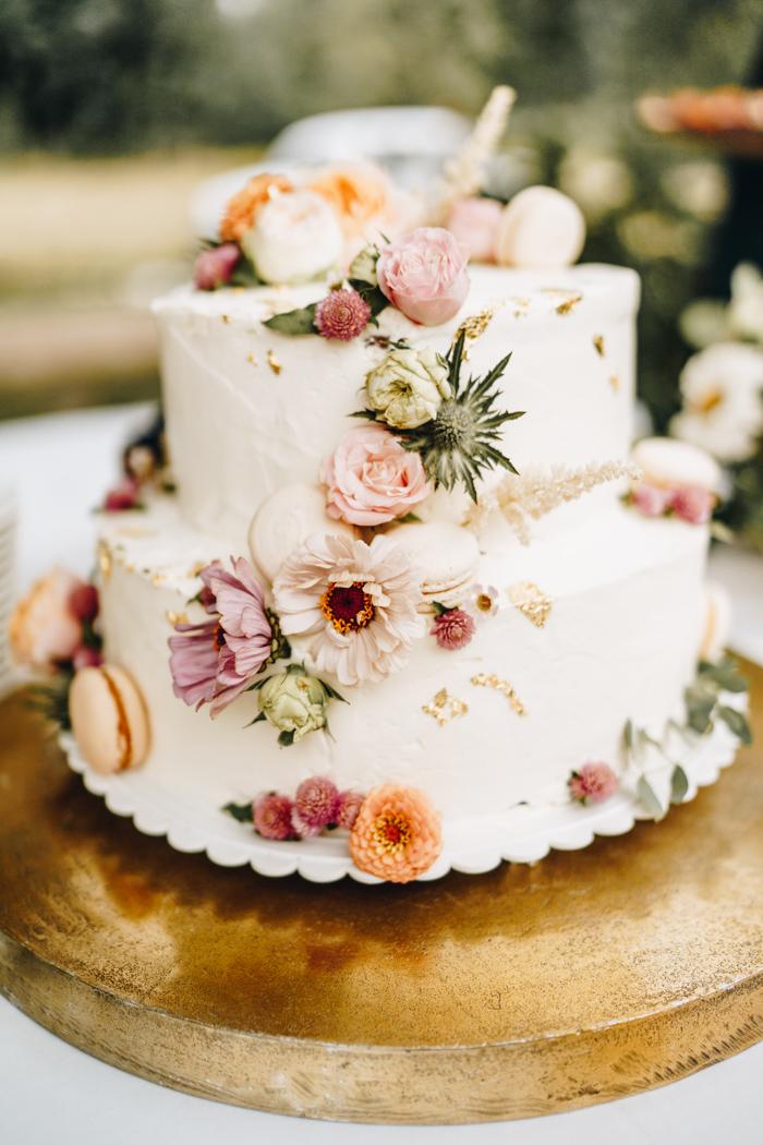 bolo de casamento rustico Com Flores