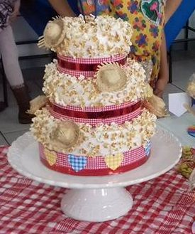 bolo de pipoca Festa Junina
