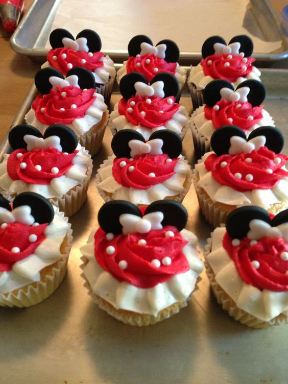 cupcake minnie Vermelha