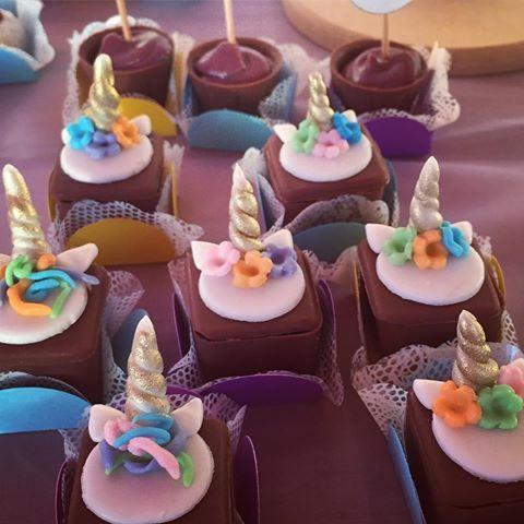 Cupcake Unicórnio Cupcake Unicórnio Pasta Americana