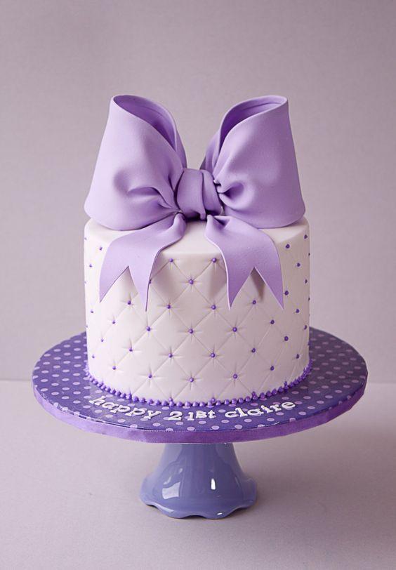 bolo decorado feminino Com Pasta Americana
