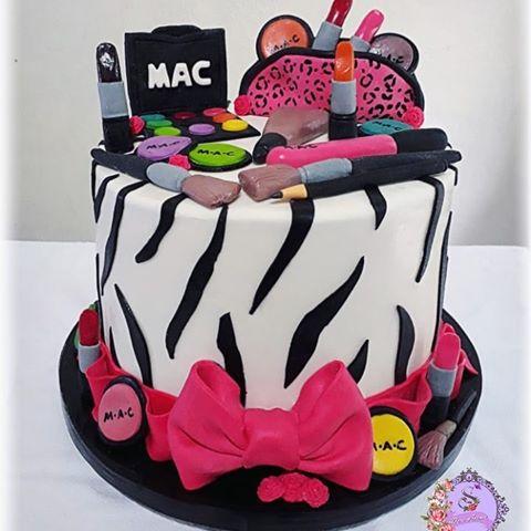 bolo decorado feminino Maquiagem