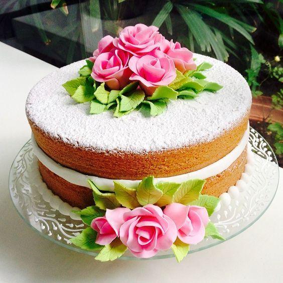 bolo decorado feminino Simples