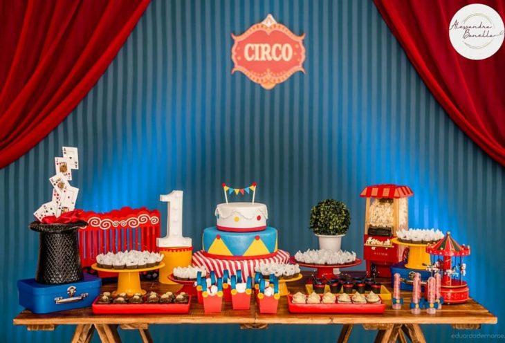 festa circo Simples