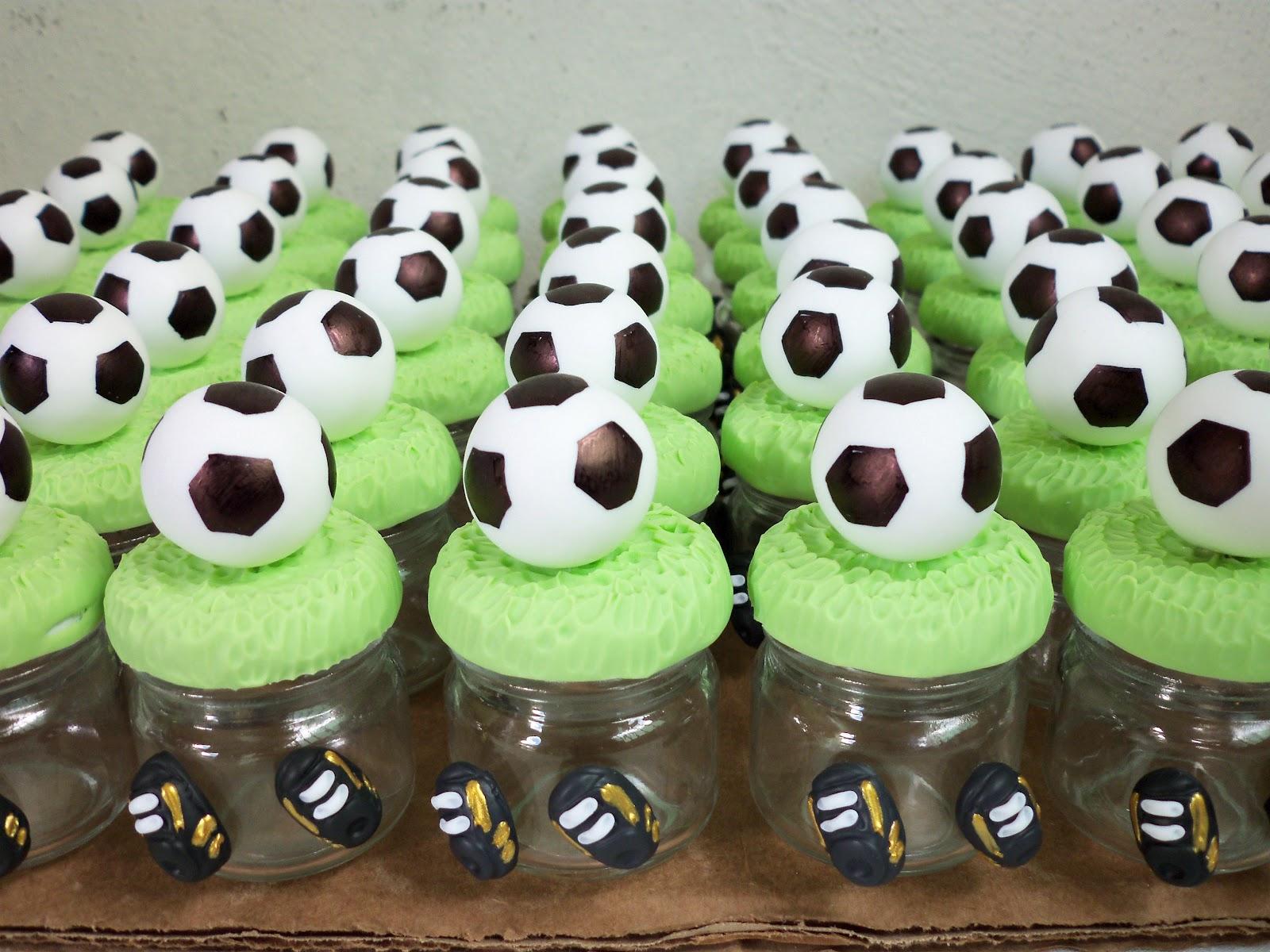 lembrancinha futebol Biscuit