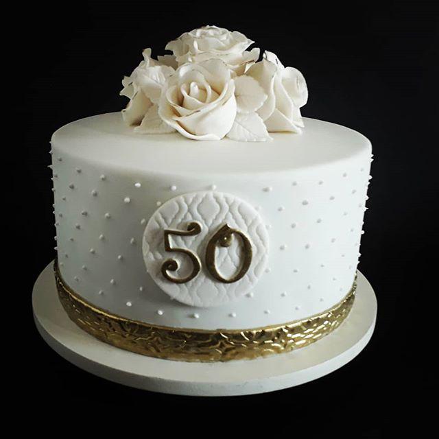 bolo 50 anos Pasta Americana