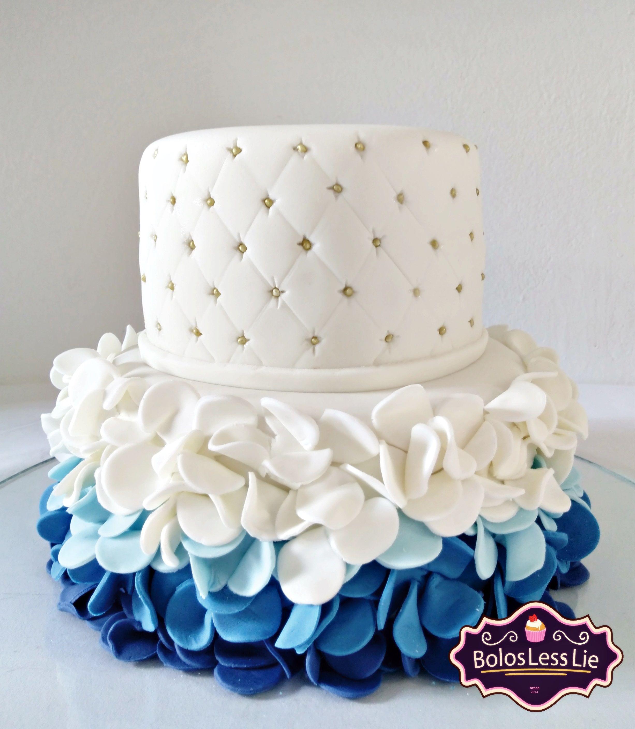 Bolo Azul e Branco Pasta Americana