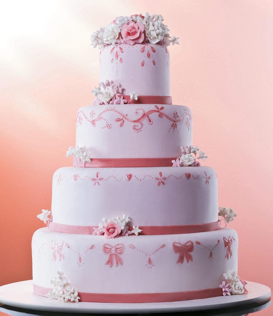 Bolo de Casamento Com Flores De Pasta Americana