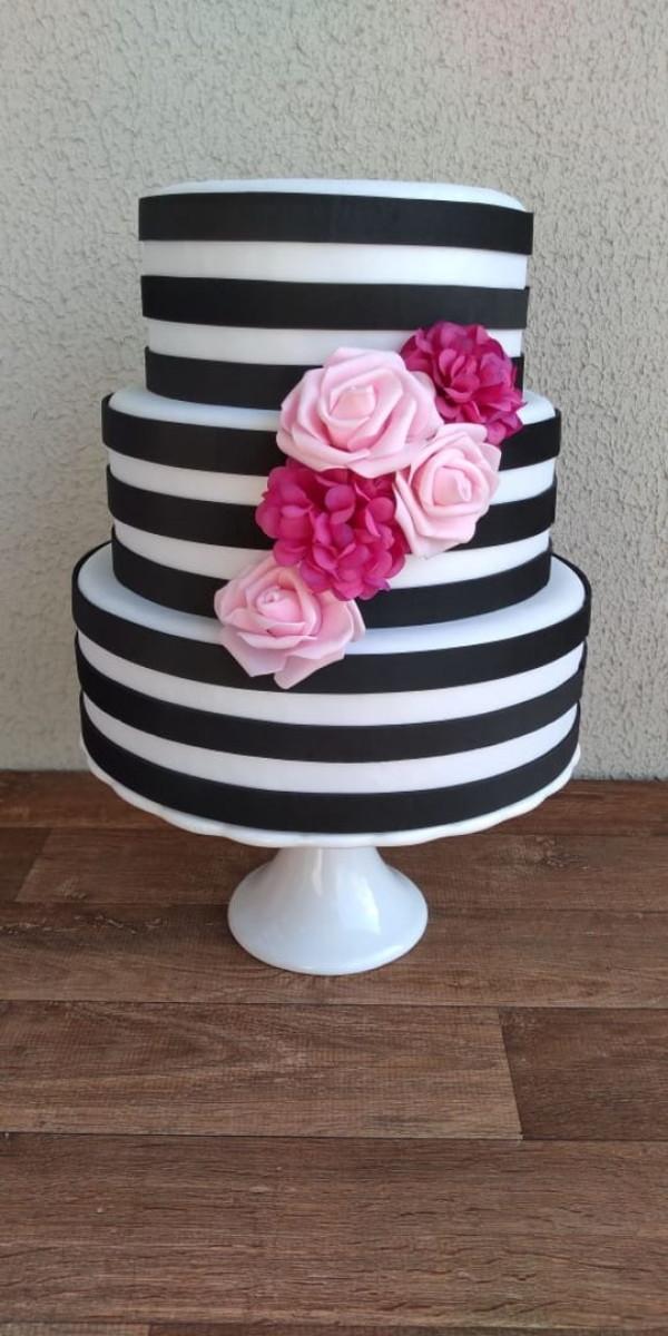 bolo preto e branco Listrado