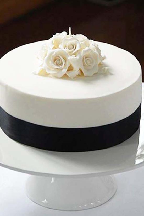 bolo preto e branco Simples