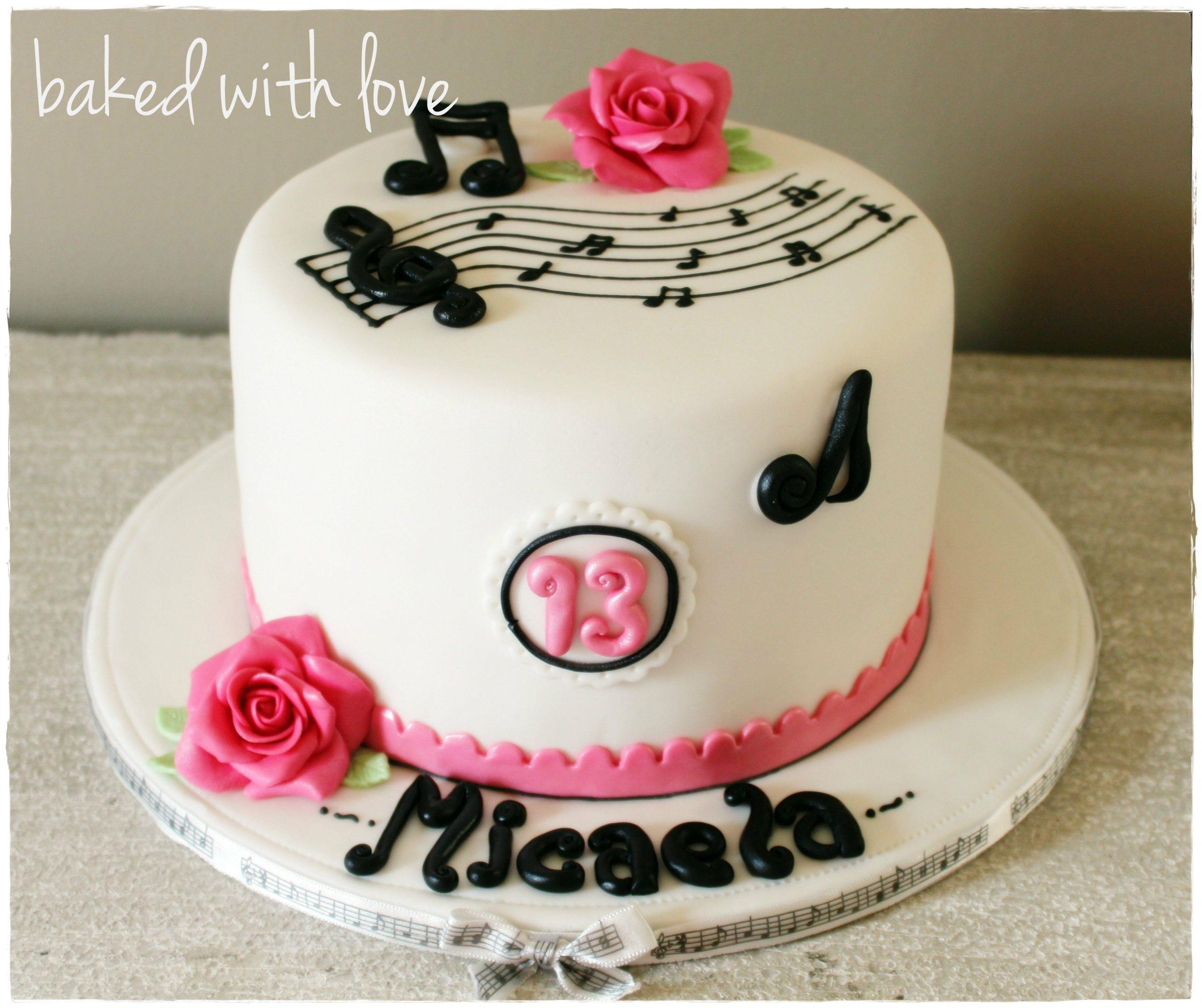 bolo com notas musicais Pasta Americana
