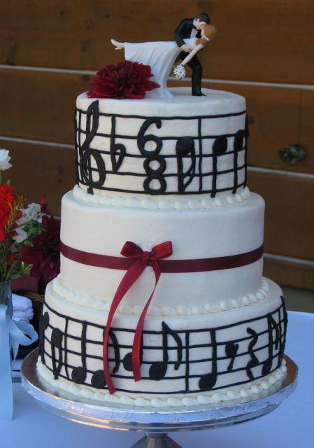 bolo com notas musicais Vermelho
