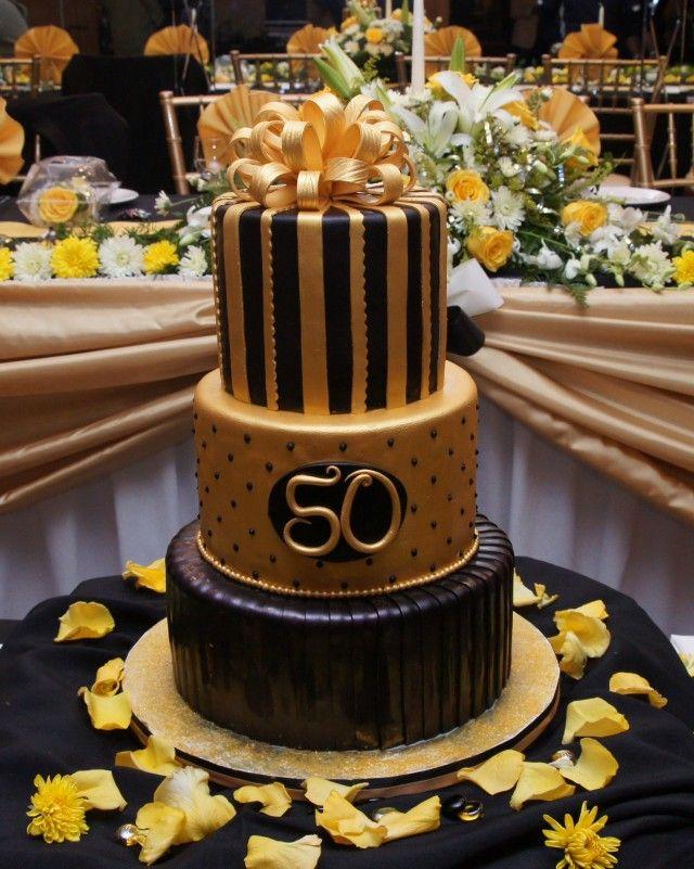 bolo com pasta americana Dourado