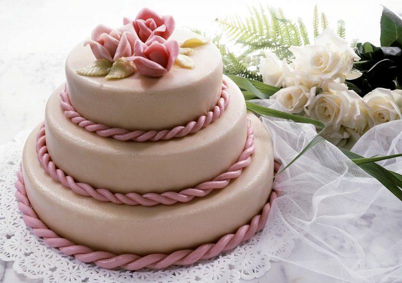 bolo com pasta americana Rosa