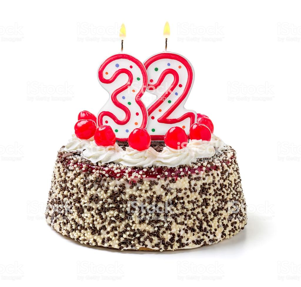 Bolo de Aniversário Feminino 32 anos
