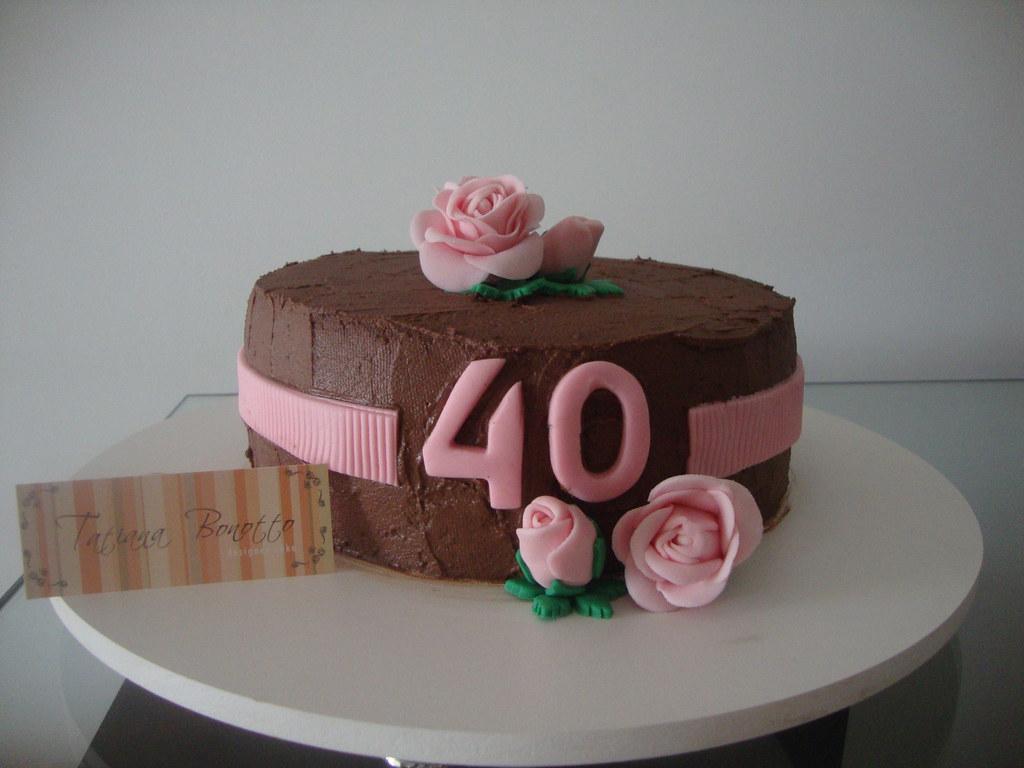 Bolo de Aniversário Feminino 40 anos