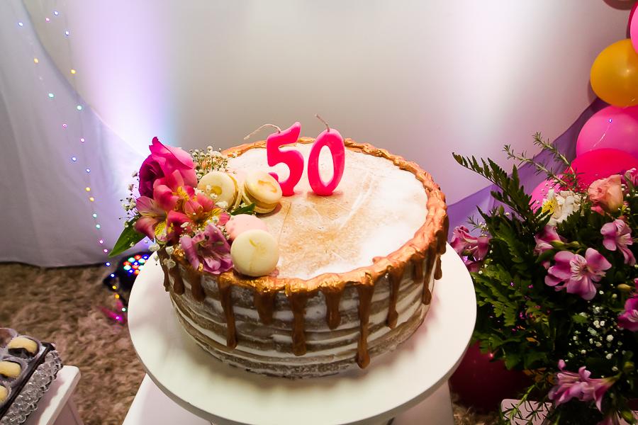 Bolo de Aniversário Feminino 50 anos