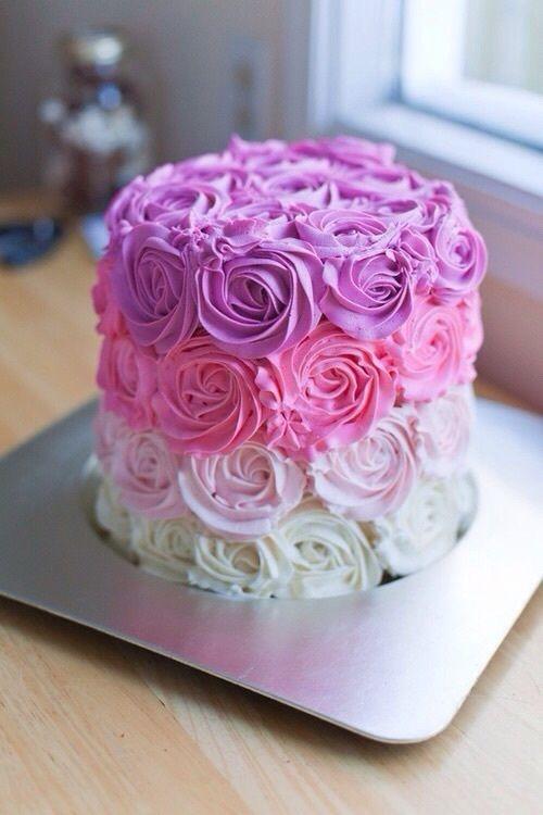 bolo de aniversario infantil Com Chantilly