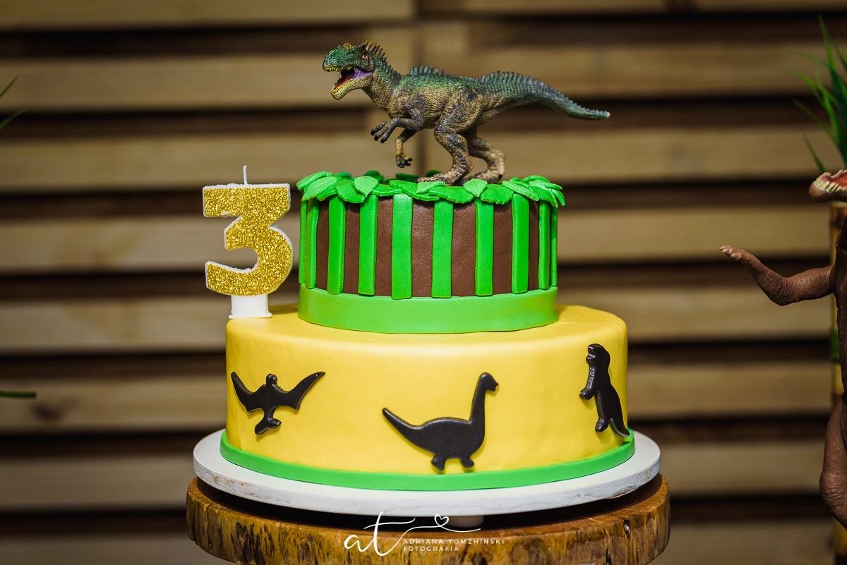 bolo de aniversario infantil Dinossauro