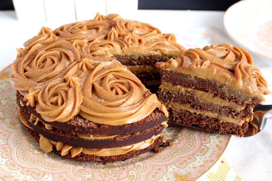bolo de aniversario simples Doce de Leite