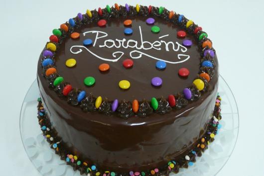 bolo de aniversario simples E barato