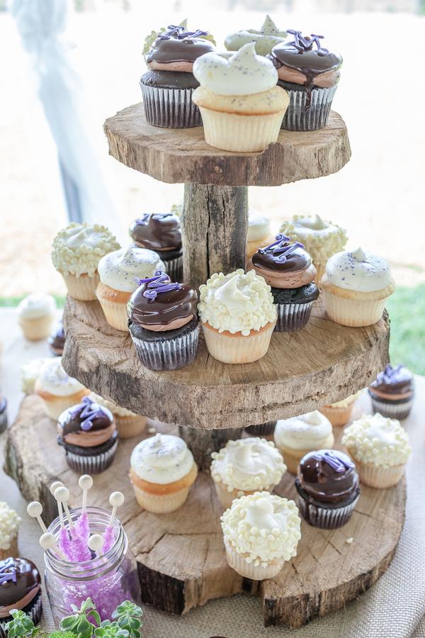 cupcake para casamento Rústico