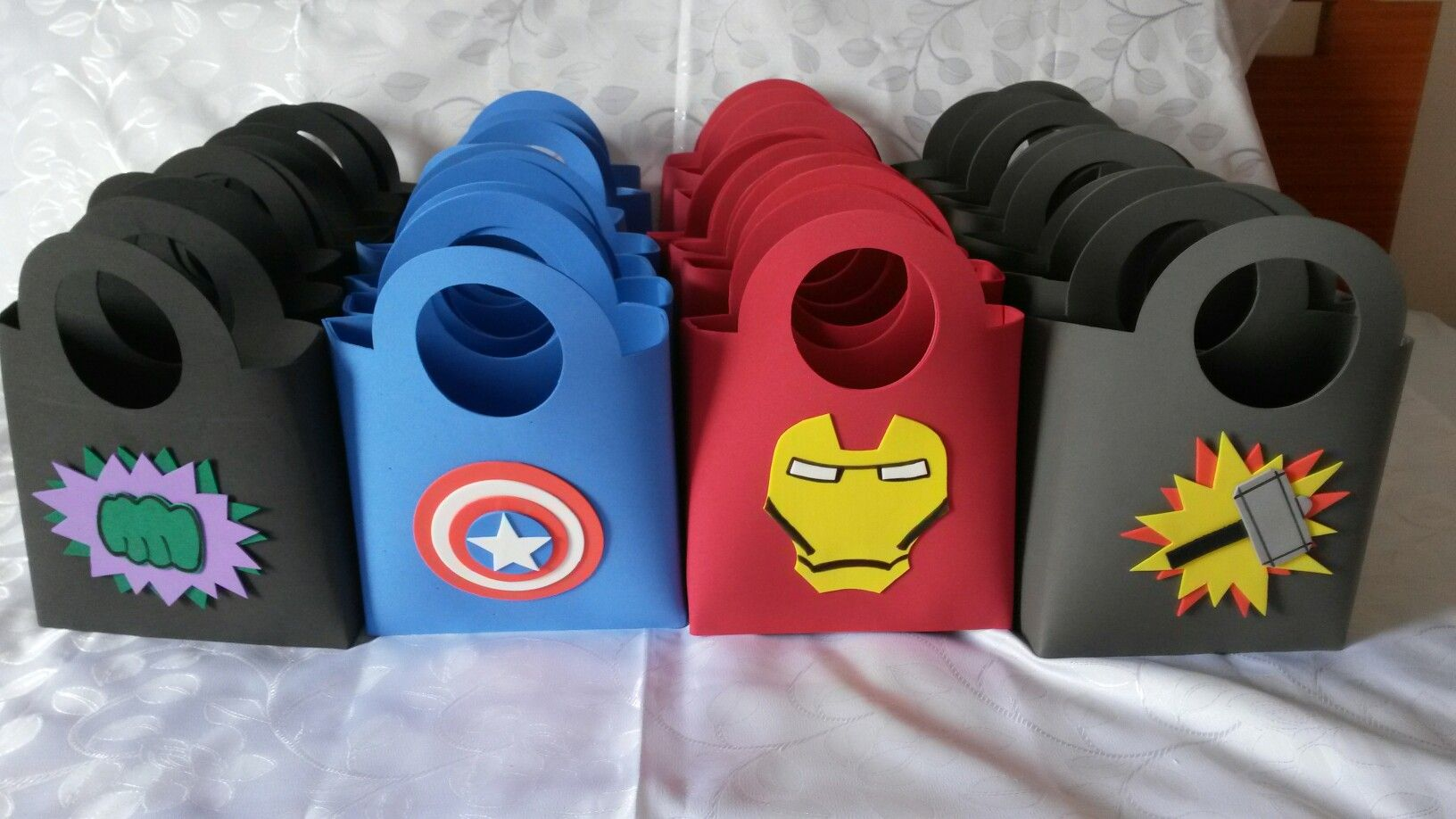 Lembrancinha Super-Heróis Em E.V.A.