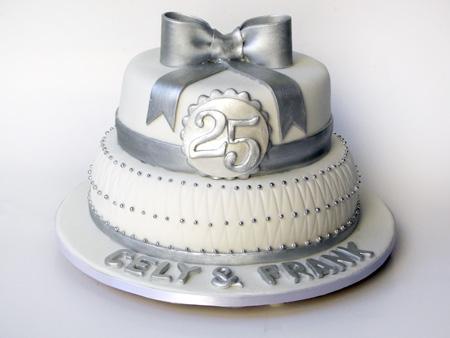 Bolo de bodas de prata Com pasta americana