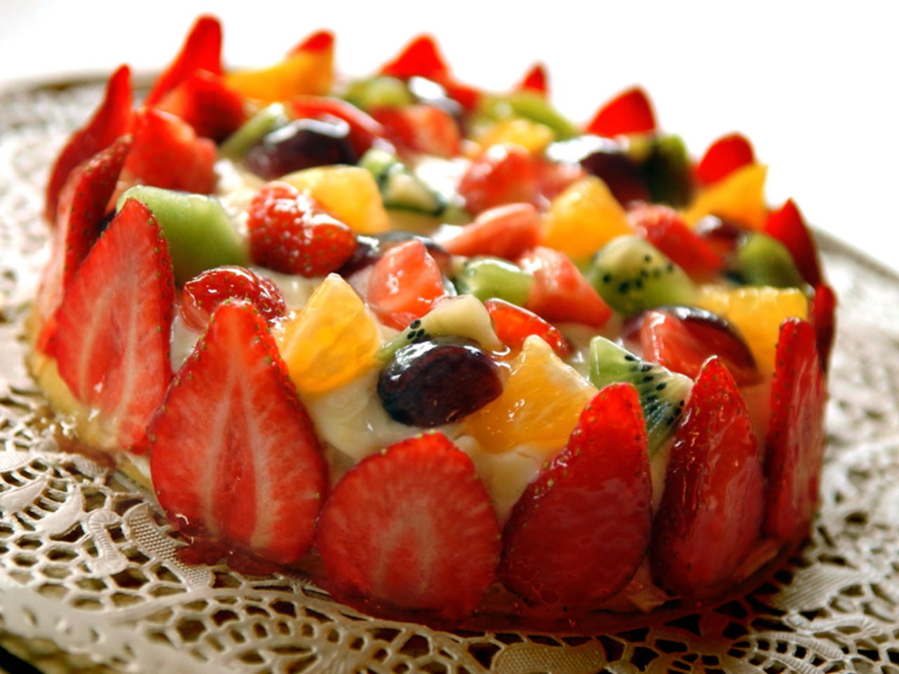 Bolo decorado com frutas Naturais