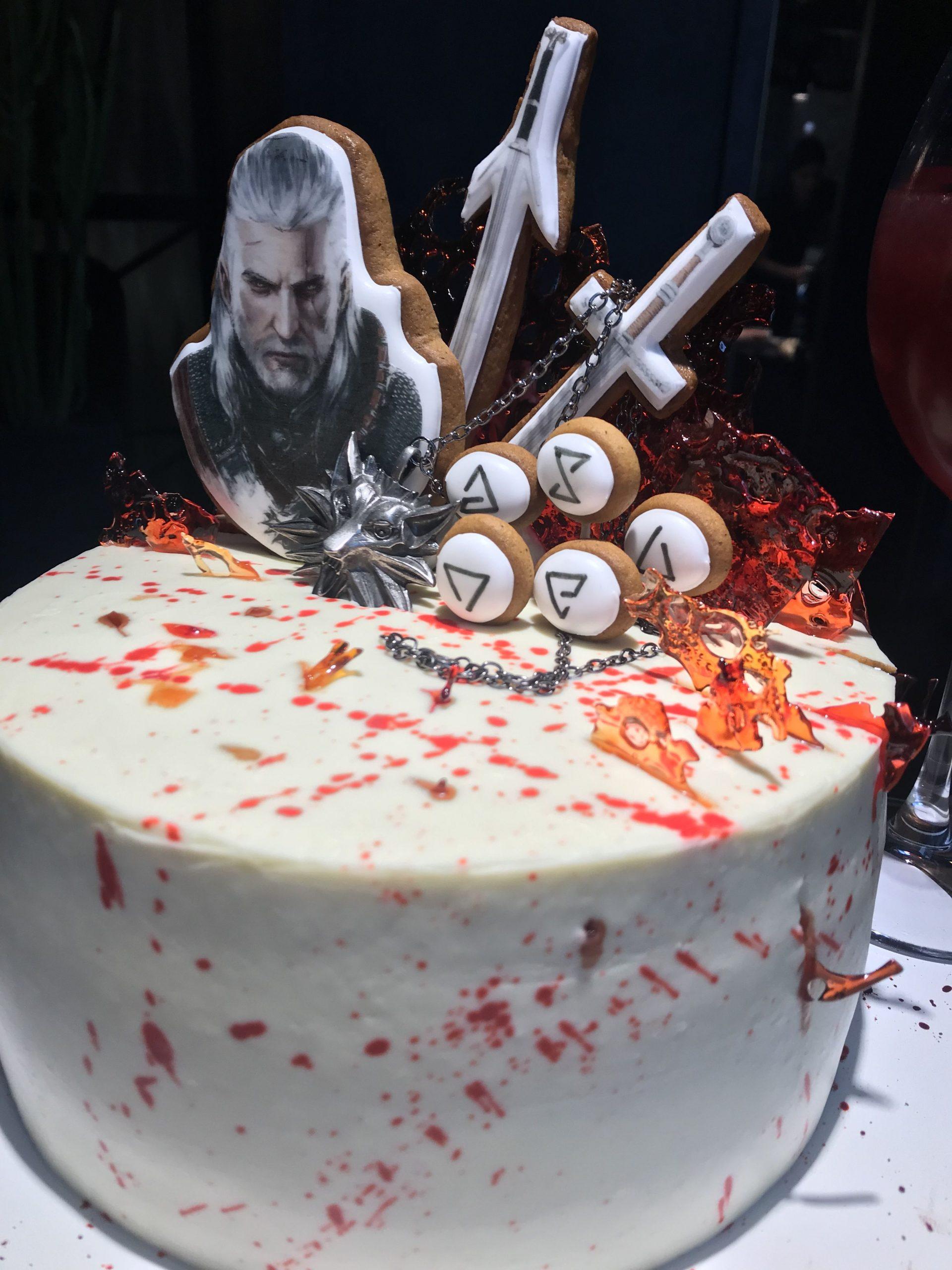 Bolo The Witcher Com topo de bolo