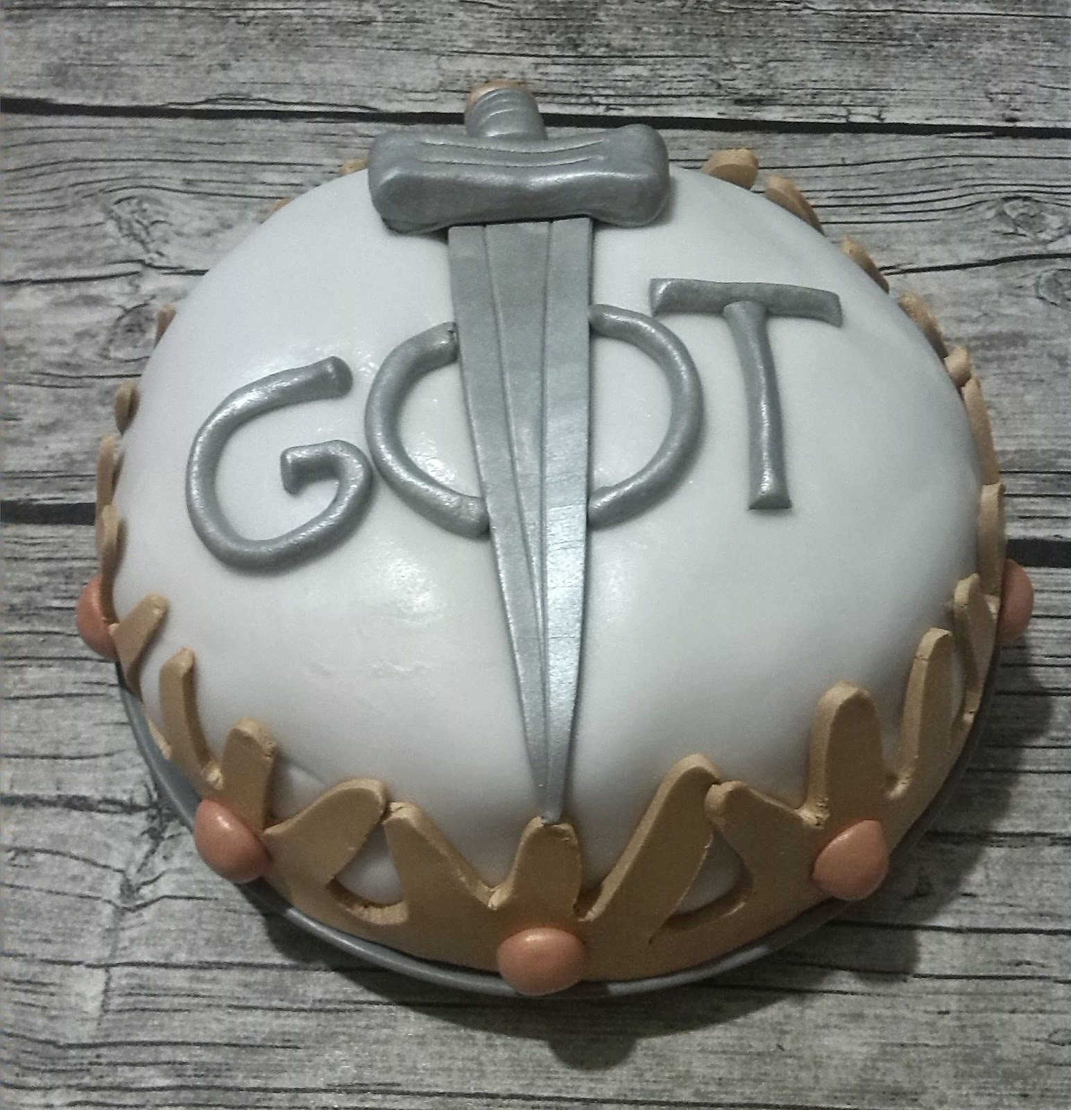 Bolo Game Of Thrones SimplesBolo Game Of Thrones Simples