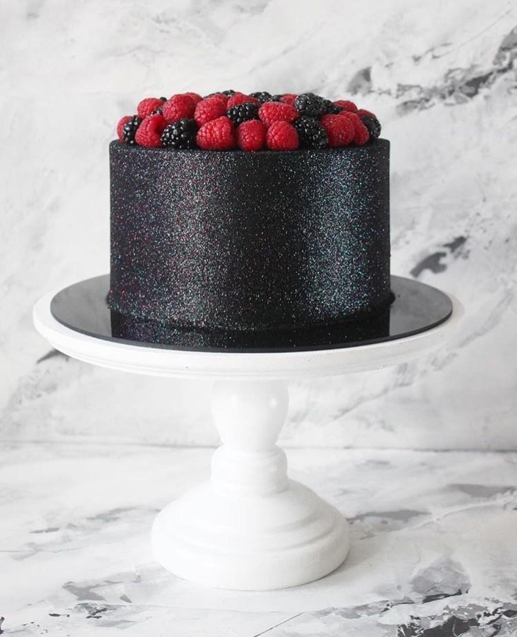 Bolo Glow Cake Preto