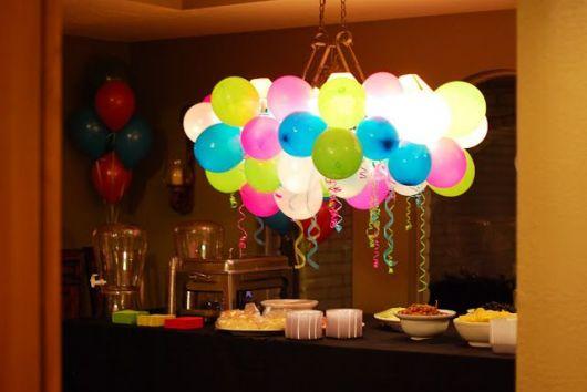 Festa Surpresa Simples Decoração