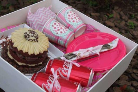 Festa Surpresa Simples Na caixa